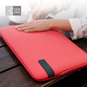 Case Logic Reflect laptop & MacBook sleeves
